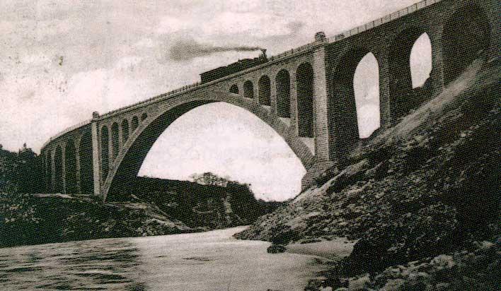 Solkan Bridge over Soča river. Source: Wikipedia.