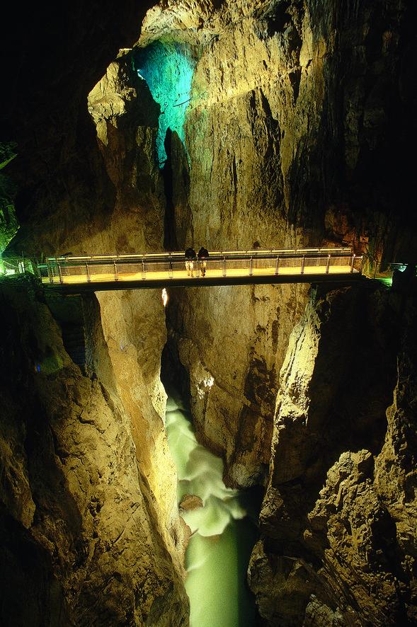 rsz_cerkvenikov_most_tabla_mala