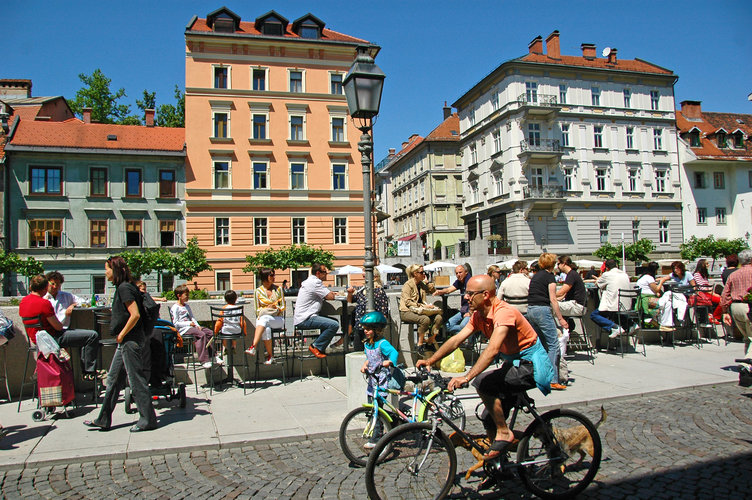 Cycling is for everyone. Author: Dunja Wedam. Source: Turizem Ljubljana