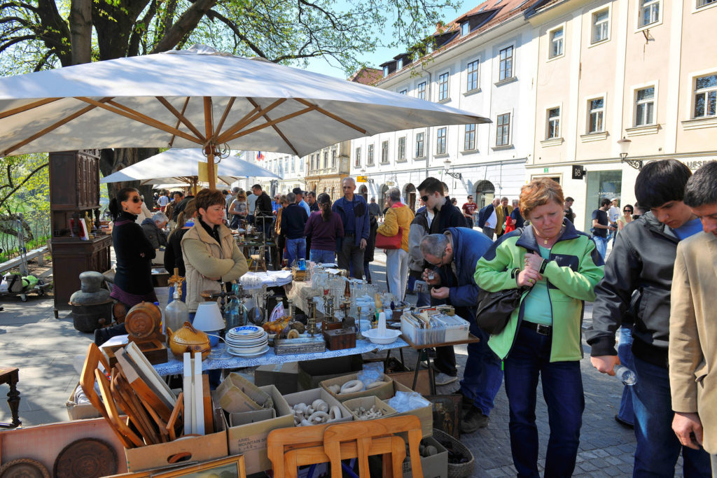 Sunday Flea Market. Author: G. Murn. Source: Turizem Ljubljana